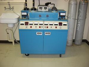 デュアルイオンミリング装置