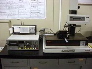 表面粗さ形状測定機